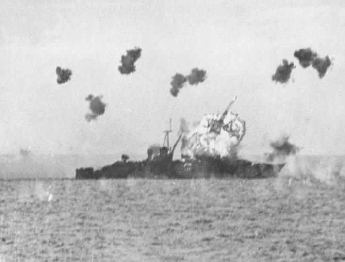 USS Louisville (CA-28) is hit by a kamikaze in Lingayen Gulf on 6 January 1945 (80-G-363217)