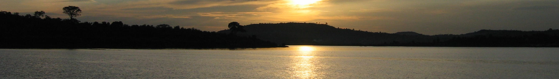 Uganda banner Sunset over Loke Victoria.jpg