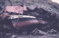 Un barco fue arrojado por la ola del tsunami en una casa - Corral, Otoño 1960.png