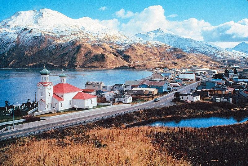 http://upload.wikimedia.org/wikipedia/commons/thumb/2/2e/UnalaskaAlaska.jpg/800px-UnalaskaAlaska.jpg