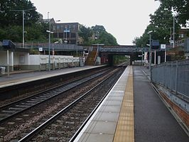 Upper Holloway stn look east.JPG