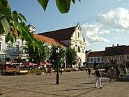 Vác, náměstí s kostelem