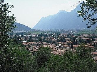 Arco, Trentino - Image: Veduta di Arco 015