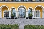 Velden Seecorso 10 Schlosshotel Ost-Teilansicht 03042019 6322.jpg