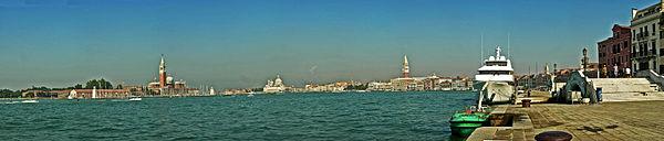Panorama da Riva degli Schiavoni.