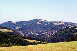 Viaduc du Viaur vue from new road 01 08.jpg
