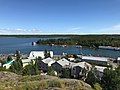 View southeast over Jolliffe Island and house boats (41788037030).jpg