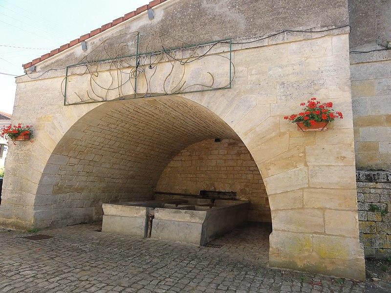 Ville-Houdlémont (Meurthe-et-M.) lavoir Houdlémont