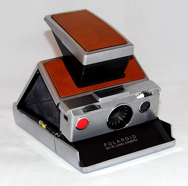 File:Vintage Polaroid SX-70 Single Lens Reflex Land Camera, Made In USA, Introduced In 1972 (35531314220).jpg