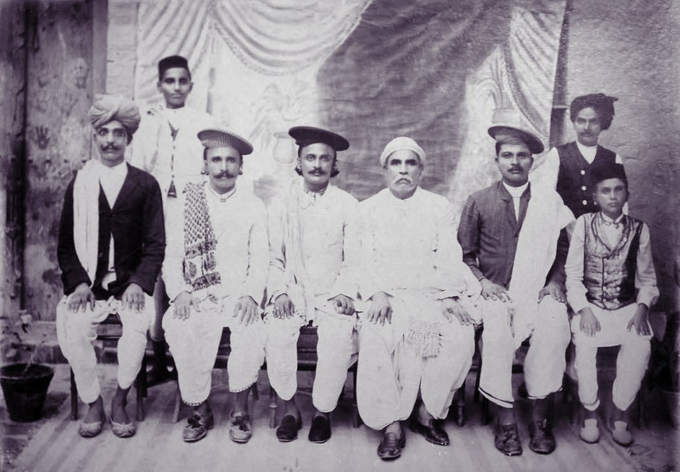 Vintage group photo of Indian Sindh people.JPG