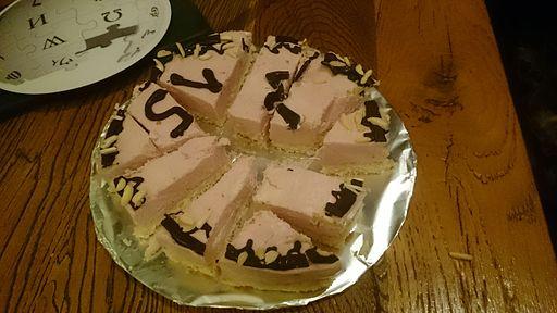 WP15 Berlin Torte angeschnitten