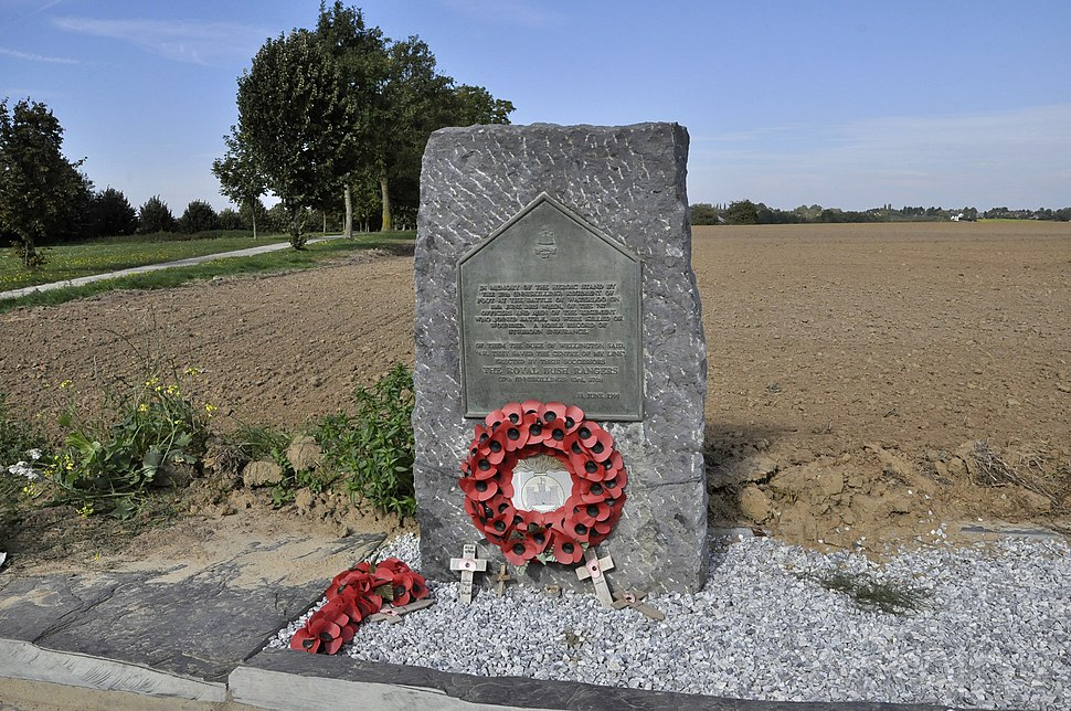 Waterloo - Stele voor het 27th (Inniskilling) Regiment of Foot 3-10-2015 12-53-32