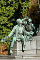 Werndl-Denkmal (Tischler und Schmied).jpg