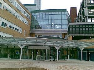 Whittington Hospital - Image: Whittington Hospital Magdala Avenue N19 5NF geograph.org.uk 1062222