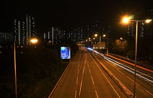 Wong Chu Road at night (Street Light rays improved).jpg