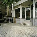 Zicht op een gedeelte van de achtergevel, ingangspartij met trap - Tilburg - 20388611 - RCE.jpg