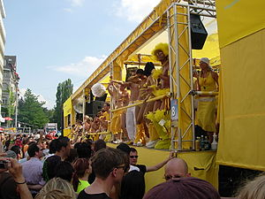 Lovemobile - Lovemobile at the 13. Street Parade, 7. August 2004