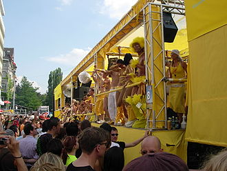 Street Parade - Street Parade n° 13–7 August 2004 - Elements of Culture