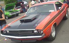 '71 Dodge Challenger (Rassemblement Mopar Valleyfield '10).jpg