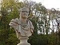 Łazienki - rzeźba i pomniki - 03.jpg