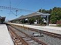 Železniční stanice, nástupiště.jpg