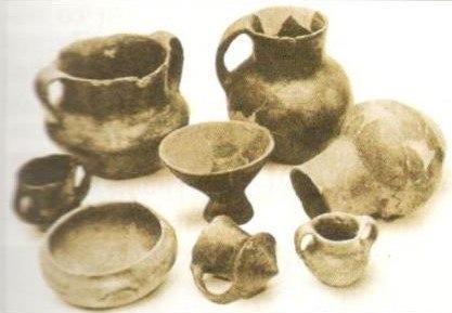 Керамички садови од бронзено време - Пелинце