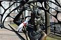 Скульптура ў Міхайлаўскім скверы - panoramio.jpg