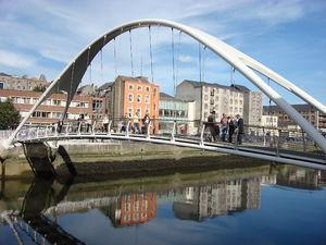The de Lacy pedestrian bridge