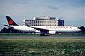 145fh - Air Canada Airbus A330-343X, C-GFAH@CDG,11.8.2001 - Flickr - Aero Icarus.jpg