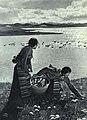 1963-03 1963年 拉萨天鹅湖畔.jpg