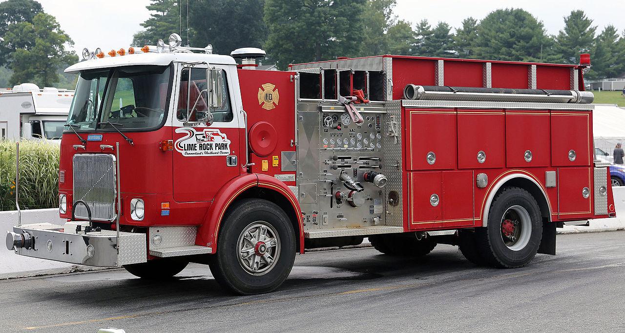 File:1989 Volvo WX (White GMC) fire engine, Lime Rock.jpg ...