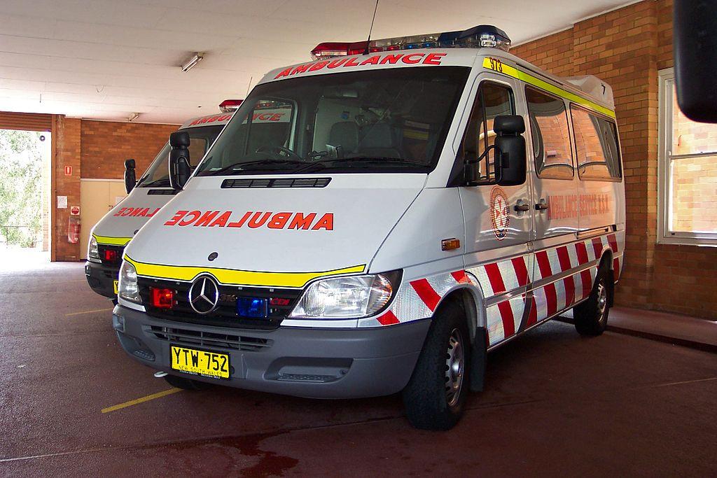 File 2003 Mercedes Benz Sprinter 316 Cdi Ambulance