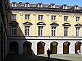 2004-04-16-bonn-universitaet-aussenansicht-arkadenhof-02.jpg