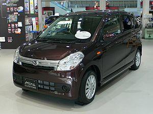 Daihatsu Mira - Image: 2006 Daihatsu Mira Custom 01