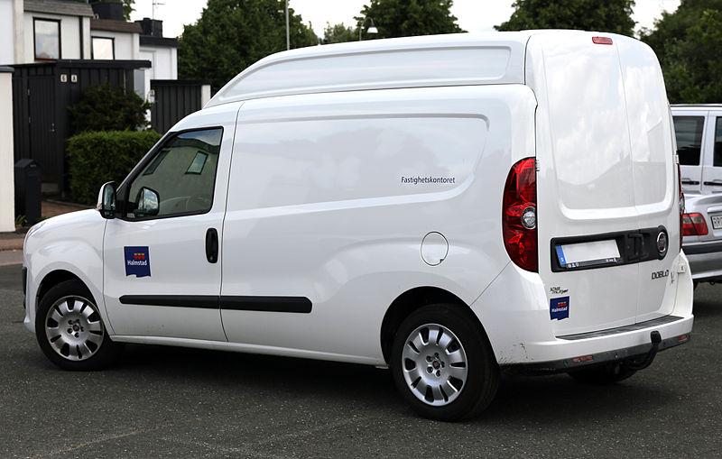 2012 Fiat Dobl%C3%B2 Cargo XL 105 Multijet Halmstad.jpg