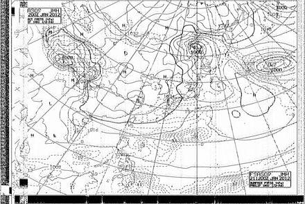 等圧線 され 予想 図 る 天気 は 荒天 で 最も が