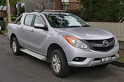 2013 Mazda BT-50 (UP) XTR 4WD 4-door utility (2015-07-24) 01.jpg