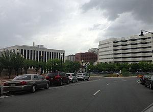U.S. Route 206 - U.S. 206 northbound follows Broad Street through downtown Trenton