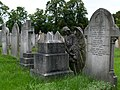 2015 London, Charlton Cemetery 08.JPG