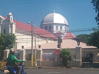2017 Batangas earthquakes - The partially damaged Basilica of the Immaculate Conception in Batangas City after the earthquake