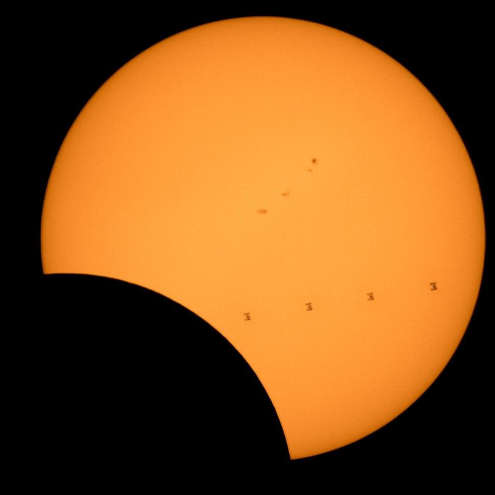 2017 Total Solar Eclipse - ISS Transit (NHQ201708210304)