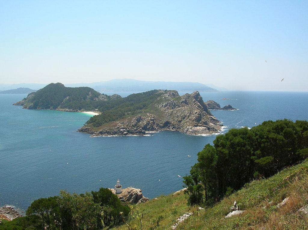 En el parque nacional de las Islas Atlánticas de Galicia (España) se encuentran las islas Cíes, en el municipio de Vigo (Pontevedra.