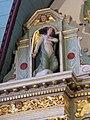 4430.Engelsstatuen im Rosenkranzaltar-Altar des Heiligen Rosenkranzes(17.Jh.)Saint Miliau-Guimiliau-.JPG