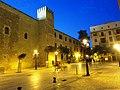 Abends am Platz vor dem Palacio Real de la Almudaina - panoramio.jpg