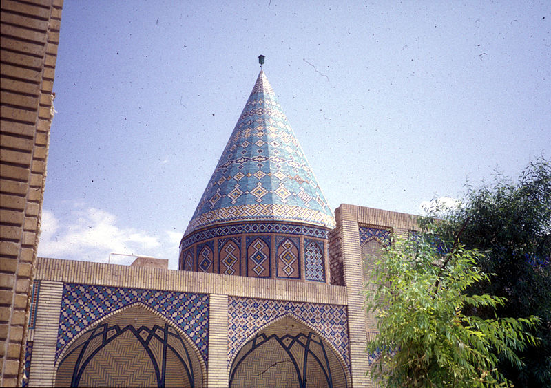 http://upload.wikimedia.org/wikipedia/commons/thumb/2/2f/Abu_lulu_tomb.jpg/800px-Abu_lulu_tomb.jpg