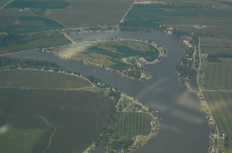 File:Aerial view of Big Lake, Missouri 9-2-2013.JPG