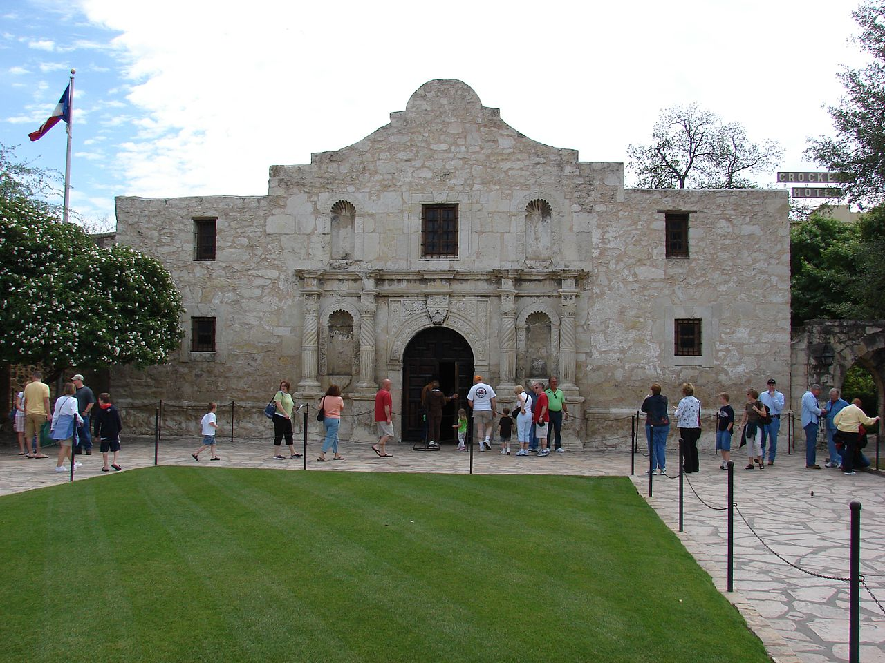 File Alamo Mission San Antonio Jpg Wikimedia Commons