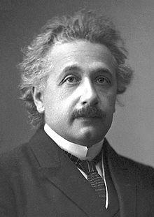 Albert Einstein, autore della teoria della relatività ristretta (foto del 1921)