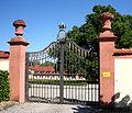 Altshausen Schloss Oberes Tor 2005.jpg