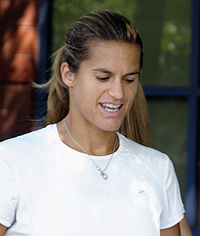 Amélie Mauresmo at the 2009 US Open 04.jpg